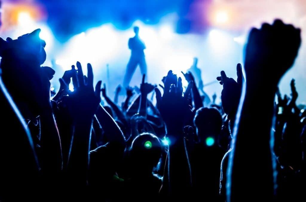 Réouverture des discothèques et reprise des concerts debout